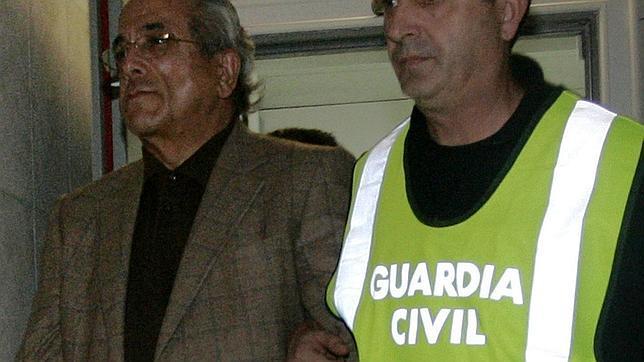 Descripcin: El criminal Morn, detenido