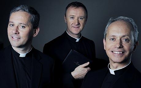 Descripción: http://i.telegraph.co.uk/multimedia/archive/01427/The_Priests_1427299c.jpg