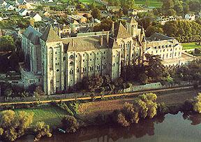 http://www.st-benoit-du-lac.com/congregation/moines/solesmes.jpg