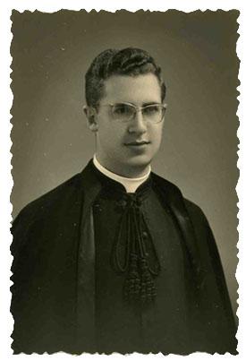 Descripción: Obispo Rafael Palmero Ramos
